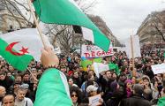 В Алжире отложили выборы президента страны из-за отсутствия кандидатов