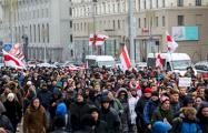 Соцсети о протестовавших в Минске белорусах: Какие красавцы!