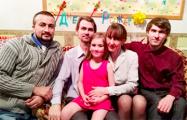 Девочка Эльвира, которую незаконно забрали у родителей, встретит Новый год дома