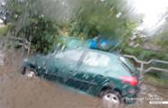 Фотофакт: в Бобруйске тонут авто