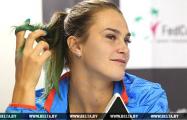 Видеофакт: На Australian Open женщины чуть не подрались из-за сувенира от Соболенко