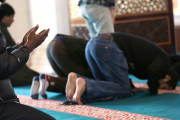 В Катаре начнут штрафовать за работу во время пятничной молитвы