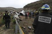 При аварии туристического автобуса в Мексике погибли 12 человек