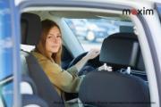 Женщина - водитель такси в Беларуси: какая она?