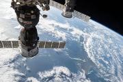 Экипаж МКС закрылся в «Союзе» из-за угрозы столкновения с обломком спутника