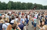 ВВС: Пикет Тихановской в Минске собрал десятки тысяч человек