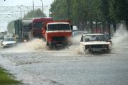 Ливень в Витебске: затопленные улицы и провалившийся подземный переход