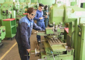 Промышленность и АПК дряхлеют. Доля низкотехнологичных производств продолжает расти
