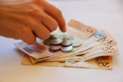 802 рубля: названа медианная зарплата в Беларуси