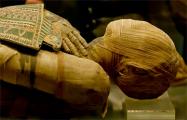 Ученые разгадали тайну глиняного панциря мумии, которую положили в чужой саркофаг
