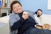 Британские парламентарии решили бороться с детским ожирением с помощью налогов