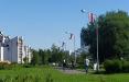 В Минске весь район «ЖК Магистраль» украсили бело-красно-белыми флагами