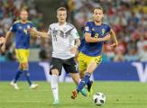 Cборная Германии в добавленное время вырвала победу у Швеции