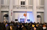 Минчанка на площади Свободы: Хочу, чтобы мы победили эту власть и стали жить счастливо