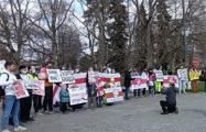 Белорусы Варшавы собрались в центре города на акцию солидарности с земляками