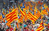 Сотни тысяч каталонцев вышли на улицы в поддержку арестованных политиков