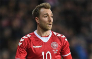 Футболист сборной Дании потерял сознание во время матче Евро-2020 с командой Финляндии