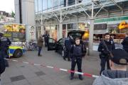 В Германии водитель въехал в группу пешеходов
