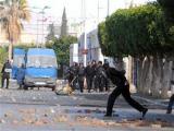 Число погибших в беспорядках в Тунисе выросло до 21