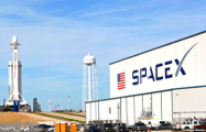 Маск: SpaceX сможет совершить посадку на Луну меньше чем через два года