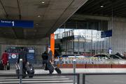 В Париже сняли с рейса 22 летевших в Майами украинцев
