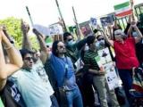 Демонстранты штурмуют посольство Ирана в Стокгольме