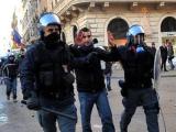 Вотум доверия Берлускони спровоцировал массовые беспорядки