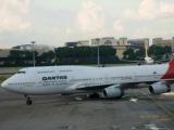 """""""Боинг"""" компании Qantas экстренно сел из-за поломки двигателя"""