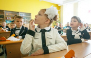 Мама школьницы: Нас заставляют выкупать форму