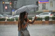 На 13 августа снова штормовое: грозы, сильные ливни, ветер и град