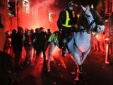 Протестующие студенты напали на машину принца Чарльза