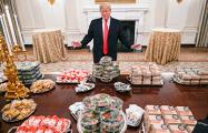 Дональд Трамп угостил cпортсменов бургерами и картошкой фри