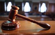 В Минске на суд над уклонистами привели подростков