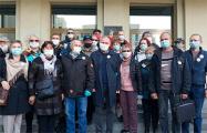 Задержанным соратникам Статкевича дали штрафы и «сутки»