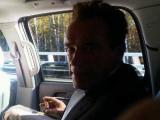 Прилетевший в Москву Шварценеггер обменялся с Медведевым твитами