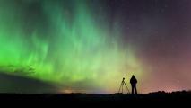 Астрофотограф записал видео о съемке северного сияния
