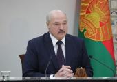 Лукашенко: Детей воспитывает либо улица, либо интернет