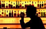 Чиновники хотят разрешить белорусам приходить в кафе со своим алкоголем