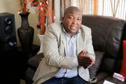 Сурдопереводчик с панихиды Манделы оказался уголовником