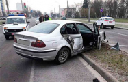 Фотофакт: В Бресте BMW снес 11 пролетов ограждения и 4 дорожных знака