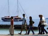 """Мальдивы обложат туристов """"зеленым налогом"""""""