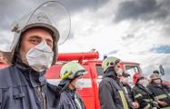 Зеленский наградил украинских спасателей, тушивших пожар в Чернобыле