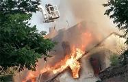 «Вся Советская в дыму»: в центре Бреста горят старые дома