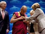 Китай возмутился из-за американской награды Далай-ламе
