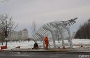 В Минске монтируют остановку с необычным дизайном