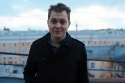 Хованский удалил ролик о Тинькове после его письма и выбитой двери