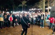 Выступление Пита Павлова в Уручье проходит с аншлагом