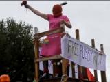 Мэр Рейкьявика проехал по городу в образе Pussy Riot