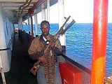 На борту захваченного пиратами судна есть россияне