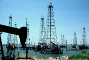 Беларусь и Литва обсуждают возможность поставок нефти и сжиженного газа через литовские порты - Буря
